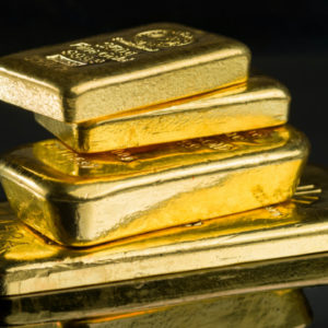Gold Spikes on US Debt Fears — Finance Portal Disowns End of Year Gold Price Prediction